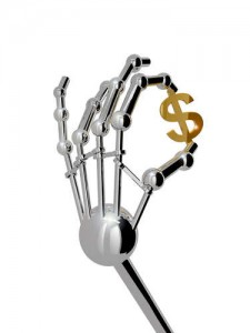 3D: Platinum Roboterhand hält ein Dollarsymbol