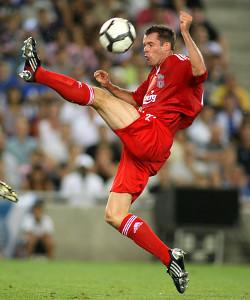 Jamie Carragher von Liverpool FC gegen den RCD Espanyol in einem Freundschaftsspiel - August 2009 in Barcelona