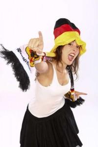 Frohsinniges Fußball-Fan-Mädchen Deutschland gewidmet